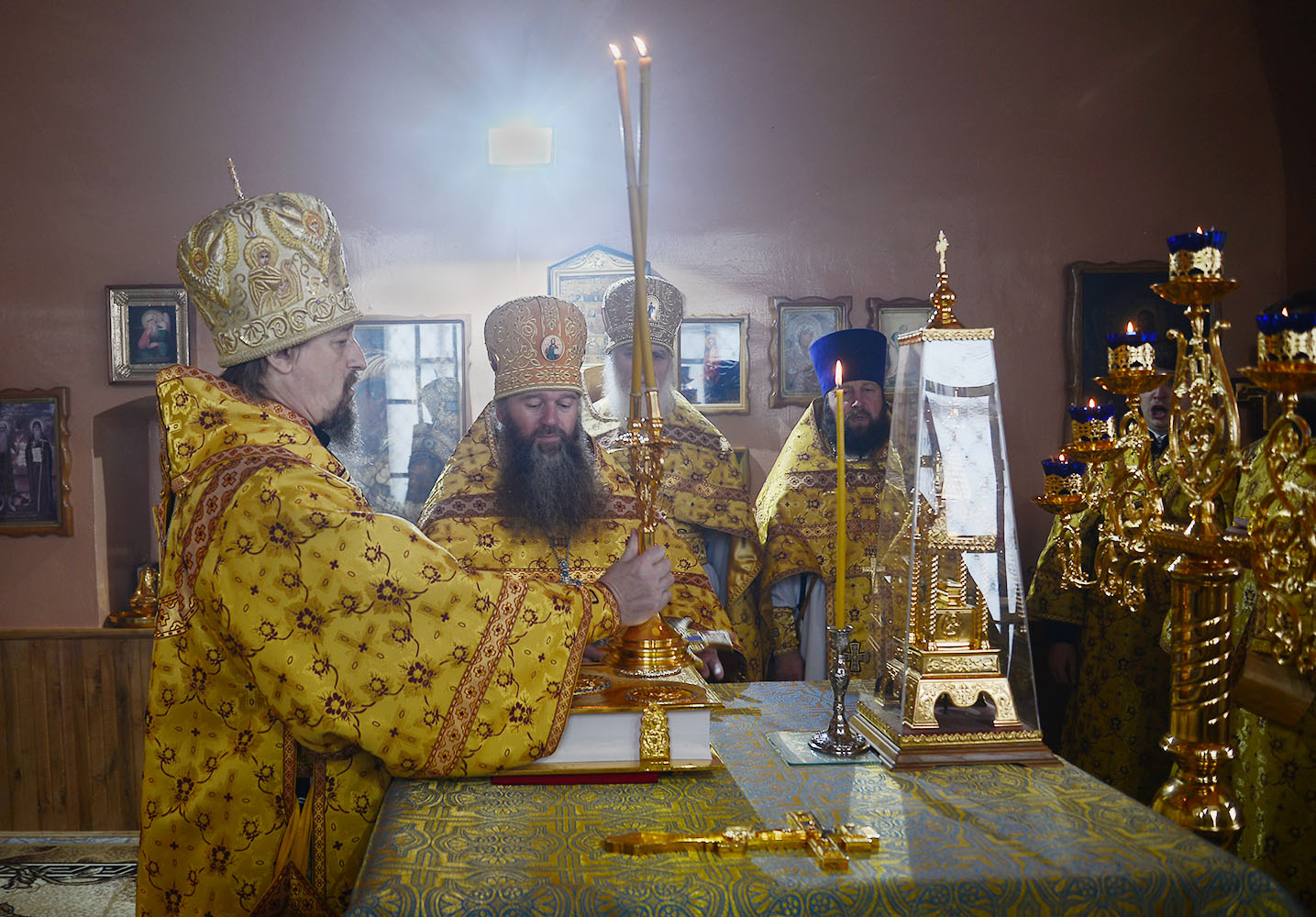 Глава Белгородской митрополии посетил с архипастырским визитом Новооскольскую землю